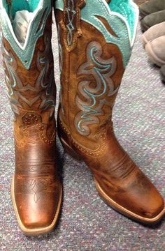 Cowgirl Boots - Need New Shoes But Don't Know How To Start? Cowgirl Outfits, Cowgirl Style, Cowgirl Boots, Horse Boots, Cowgirl Clothing, Cowgirl Jewelry, Riding Boots, Western Wear, Western Boots