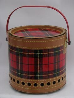 vintage Skotch plaid red tartan tailgating picnic grill for charcoal Vintage Picnic, Vintage Cabin, Vintage Tins, Vintage Love, Retro Vintage, Vintage Cooler, Scottish Plaid, Scottish Tartans, Wallace Tartan