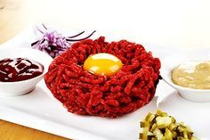 Tatarák z hovězího masa Ham, Raspberry, Food And Drink, Cooking Recipes, Steak, Fruit, Cooker Recipes, Hams, Raspberries