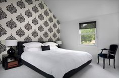 black and white bedroom | Right Bedroom Sets - Finding the right bedroom sets is not too ...