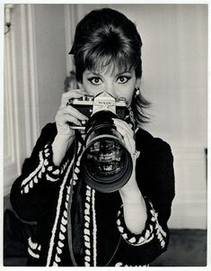 Nikon F in hands of Gina Lollobrigida dated 3.3.1967