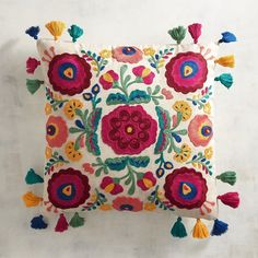 Diy Pillows, White Pillows, Boho Pillows, Decorative Throw Pillows, Modern Cushion Covers, Cushion Cover Designs, Cushion Embroidery, Embroidered Cushions, Pillow Design