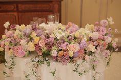 今朝、早朝、 代官山のリストランテASO様への装花です。 淡い紫をいれてミックスカラーでというリクエストに 入れたバラはリトルシルバーといい...