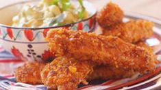 Crunchy Chicken Sticks with Avocado & Sweet Corn: The home-made crispy coating on these chicken sticks will have your kids licking their lips for more. Sweet Corn Recipes, Chicken Recipes, Good Food, Yummy Food, Yummy Yummy, Chicken On A Stick, Sour Cream Dip, Crispy Chicken, Meals For The Week