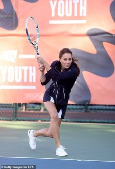 Duchess Kate, Duchess Of Cambridge, Excited Face, Tennis Association, Youth Programs, London Today, Hard Work And Dedication, Play Tennis, Tennis Clothes