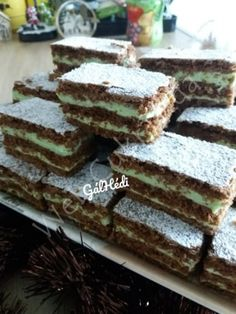 Mandula szelet Sweet Desserts, Dessert Recipes, Homemade Crackers, Hungarian Recipes, Winter Food, Clean Eating, Food Porn, Food And Drink, Sweets