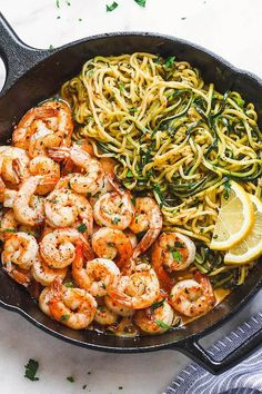 Lemon Garlic Butter Shrimp with Zucchini Noodles - This fantastic meal cooks in one skillet in just 10 minutes. and - by Lemon Garlic Butter Shrimp with Zucchini Noodles - This fantastic meal cooks in one skillet in just 10 minutes. Healthy Meal Prep, Healthy Eating, Healthy Lunch Ideas, Healthy Dinner For One, Clean Eating Recipes For Weight Loss, Low Carb Recipes, Cooking Recipes, Carb Free Meals, Whole30 Recipes