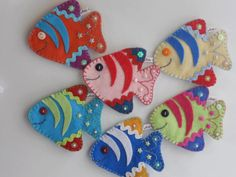 Felt fish - add magnet and magnet fishing pole Felt Christmas Ornaments, Christmas Crafts, Felt Fish, Felt Decorations, Felt Brooch, Felt Patterns, Felt Applique, Sewing Projects, Sewing Crafts