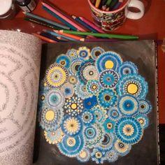 """Colorido da  @deynogueira - . . . . ✔ Use #jardimdascores nos marque ou envie direct com sua foto  . . . #colorindo #jardimdascores #jardimsecreto…"""