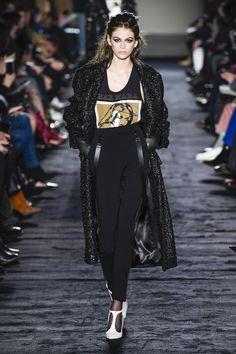 Max Mara Fall 2018 Ready-to-wear Fashion Show Collection