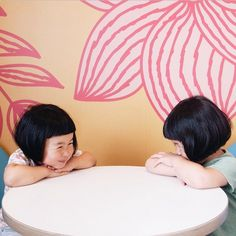 Akira Oozawa | on Tumblr - sunmoooon On his Instagram account, the dad and Japanese graphic designer Akira Oozawa shares photos of his twins daughters, daily. He documents their childish world and their fairy discoveries in the region of Kinki. Cute portraits of two children with perfect haircuts, to discover. (src. Fubiz)
