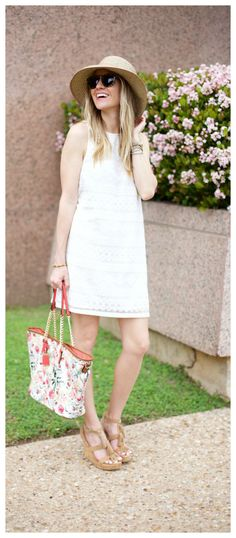 Spring Lace Dress & Floral Bag with @Zappos http://lifebylee.com/lace-dress-spring/