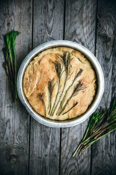Discover when and how to forage fireweed shoots, how to use them in the kitchen and find the recipe for a delicious Focaccia! Popular Recipes, Great Recipes, Focaccia Recipe, Food Platters, Slow Living, Different Recipes, The Fresh, Food Art, Italian Recipes
