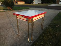 i u0027d just love to have this little enamel topped table in my dream kitchen vintage red  u0026 white 1930s art deco hoosier enamel top kitchen      rh   pinterest com
