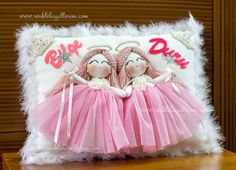 Baby Shoes Tutorial, Cat Aesthetic, Baby Sewing, Crafts For Kids, Flower Girl Dresses, Pillows, Cute, Gifts, Wedding