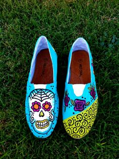 1000+ images about Sugar Skull Toms Shoes on Pinterest ...