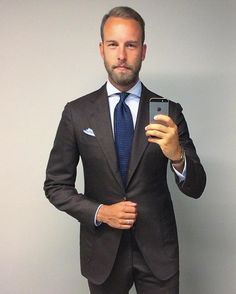 #Tiesday @andreasweinas #MensWear #MensStyle #MensLook #MensClothing #MensSuitStyle #SuitAndTie #Dapper #Outfit #Fashion #Style #Hot #Look #Cool #Inspiration #Life #Repost #Photo #DapperGentsClub