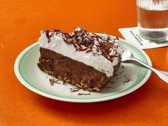 Monument Cafe's Chocolate Pie Get the chocolate cake recipe from Monument Cafe by Food Network Chocolate Pie Recipes, Vegetarian Chocolate, Chocolate Desserts, Chocolate Cake, Cake Recipes, Dessert Recipes, Gf Recipes, Unsweetened Chocolate, Bon Appetit