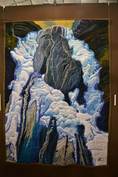 Photo of Yoshiko Miyamoto's stunning quilt from the Tokyo Quilt Festival.