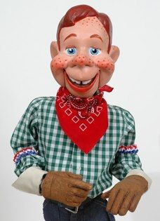 What time is it? It's Howdy Doody time! Yes I remember. Photo Vintage, Vintage Tv, Vintage Dolls, Howdy Doody, History Of Television, I Remember When, Old Tv Shows, Classic Tv, My Memory