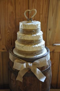 Country wedding cake!! this is def the best one i have seen!