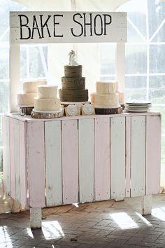 A DIY dessert stand, LOVE!