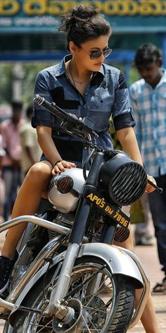 Trendy bullet bike royal enfield for editing ideas Lady Biker, Biker Girl, Biker Chick, Badass Girl, Royal Enfield Classic 350cc, Royal Enfield Wallpapers, Bullet Bike Royal Enfield, Harley Davidson, Bike Photoshoot