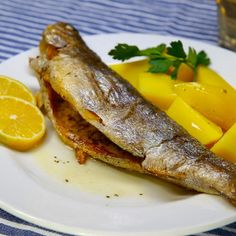 Backofen Forelle Oven trout, a delicious recipe from the fish category. Ratings: Average: Ø Shellfish Recipes, Shrimp Recipes, Salmon Recipes, Meat Recipes, Healthy Recipes, Delicious Recipes, Benefits Of Potatoes, Healthy Protein, Eating Plans
