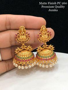 Gold Jhumka Earrings, Gold Bridal Earrings, Gold Wedding Jewelry, Jewelry Design Earrings, Gold Earrings Designs, Gold Jewellery Design, Gold Jewelry, Antique Earrings, Necklace Designs