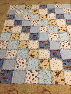 35 Snuggly Free Rag Quilt Patterns | FaveQuilts.com Diy Quilting Patterns, Quilting Tutorials, Quilting Designs, Baby Rag Quilts, Flannel Quilts, Machine Quilting, Quilting 101, Patchwork Quilting, Quilted Wall Hangings