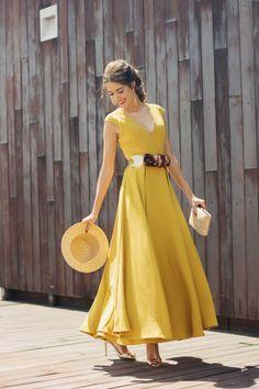 Sans the belt Circle Skirt Dress, Dress Skirt, Dress Up, Yellow Wedding Dress, Yellow Dress, Fiesta Outfit, Runway Fashion, Fashion Outfits, Yellow Fashion