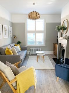Mustard Living Rooms, Grey And Yellow Living Room, Beige Living Rooms, Dining Room Colour Schemes, Living Room Decor Colors, Living Room Designs, Grey Living Room Ideas Colour Palettes, Lounge Colour Schemes, Living Pequeños
