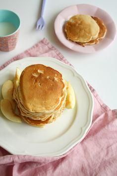 pancakes z jabłkami na jogurcie