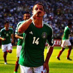 "Javier ""Chicharito"" Hernández en celebración de gol #PasiónQueNosUne #Jugamos12 #seleccionmexicana #mexico #futbol #soccer #sports"