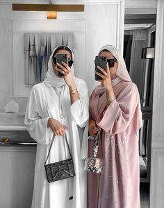 Hijab Fashion Summer, Modern Hijab Fashion, Hijab Fashion Inspiration, Abaya Fashion, Muslim Fashion, Modest Fashion, Fashion Outfits, Outfit Designer, Designer Dresses