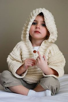 Garter Ridge Hoodie By Erika Flory - Free Knitted Pattern - (petitepurls) in Russian.