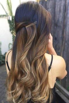 15 Ideas for tender and romantic hairstyles to wear on a first date hairstyles long 15 Ideas for tender and romantic hairstyles to wear on a first date Date Hairstyles, Bobby Pin Hairstyles, Romantic Hairstyles, Trendy Hairstyles, Wedding Hairstyles, Newest Hairstyles, Gorgeous Hairstyles, Hairdos, First Date Hair