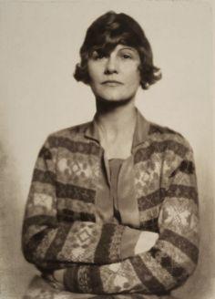 Madame D'Ora, The fashion designer Coco Chanel, about 1927, Silver gelatin print. / Museum für Kunst und Gewerbe Hamburg