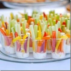 New Party Snacks Kids Finger Foods Veggie Cups Ideas Veggie Appetizers, Appetizer Recipes, Appetizer Ideas, Snack Recipes, Individual Appetizers, Shower Appetizers, Veggie Snacks, Wedding Appetizers, Veggie Recipes