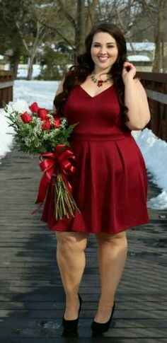 S day in fashion to figure plus size fashion. Looks Plus Size, Curvy Plus Size, Plus Size Girls, Plus Size Women, Chubby Fashion, Curvy Women Fashion, Plus Size Party Dresses, Plus Size Outfits, Sarah Rae