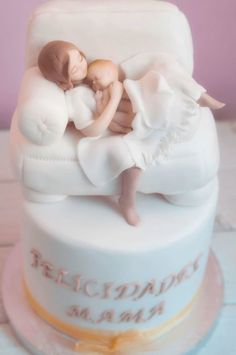 Hi everyone and merry Christmas! I did it for a daddy who comes asking for a cake for his wife's birthday, recently mom. greetings and happy new year! Pretty Cakes, Cute Cakes, Baby Cakes, Cupcake Cakes, Gateau Baby Shower Garcon, Rodjendanske Torte, Torta Baby Shower, Different Cakes, Novelty Cakes