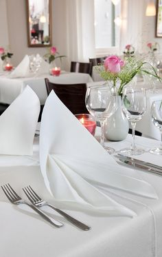 White evolin - goes beautiful with silver and pink Evolin napkins are perfect for elegant foldings