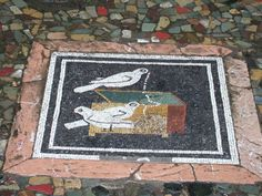 VI.12.2 Pompeii. December 2005. Ala on west side of atrium.    Detail of mosaic picture of doves pulling a necklace from a jewellery box.