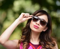 Bamboo sunglasses - Effortless natural style. The Retro charcoal bamboo sunglasses.