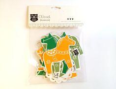 Dala horse paper garland by OtloxotBarcelona on Etsy, €15.00