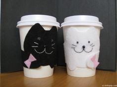 украшение из фетра для кофейного стаканчика