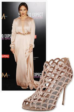 #JenniferLopez amped up her Maria Lucia Hohan gown with #SergioRossi's mermaid booties http://news.instyle.com/photo-gallery/?postgallery=115689#