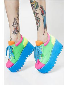 current shoe trend Current Mood Kandi Rush Platform Sneakers will have ya ridin high on rainbowz. Keep it sweet af in these funky fresh neon platform sneakers that lace up with chunky soles and rounded toes. Lace Up Shoes, Cute Shoes, Me Too Shoes, Light Up Sneakers, Neon Sneakers, Neon Shoes, Rainbow Sneakers, Rainbow Shoes, Mode Kawaii