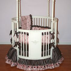 Carmella Round Baby Bedding from PoshTots