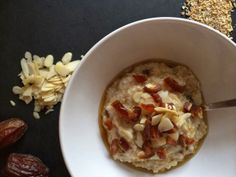 Date and Almond Oatmeal. Such a warm, easy, and comforting dish, and it fits the guidelines of our clean eating challenge (if you leave out the maple syrup). Perfect for a rainy New York morning :) What's For Breakfast, Quick And Easy Breakfast, Breakfast Recipes, Good Food, Yummy Food, Oatmeal Recipes, Cheap Meals, Food Inspiration, Healthy Eating